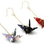 折り鶴ピアスが人気!日本の折り鶴に集まる熱視線
